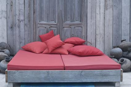Bett aus alten Holz, Ökomöbel