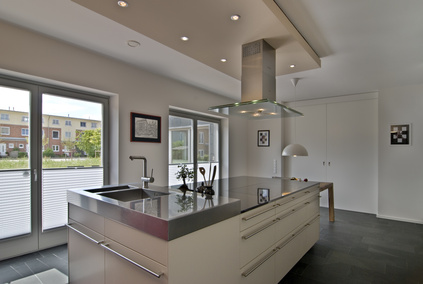 designische kunstwerke ber dem herd m bellexikon. Black Bedroom Furniture Sets. Home Design Ideas