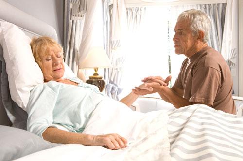 Betten-fuer-Senioren