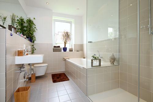 Sicherheit im badezimmer altersbedingt möbellexikon