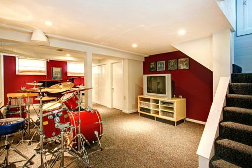 eine souterrain wohnung stilvoll und clever einrichten. Black Bedroom Furniture Sets. Home Design Ideas